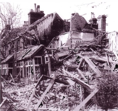 maison-bombardée-en-ruine
